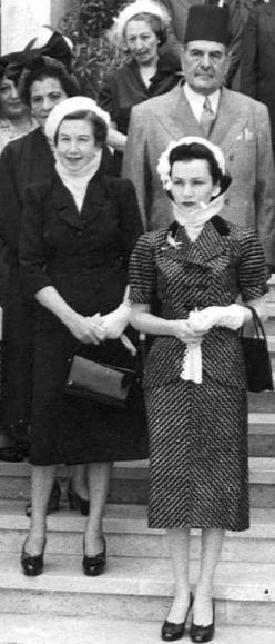 amin-chamsi-pashas-granddaughter-siadat-raafat-l-with-princess-fawzia-of-egypt-ex-empress-of-persia-1940s.jpg