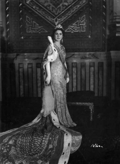 her-majesty-queen-faridai-think-this-photo-was-taken-during-her-wedding.jpg