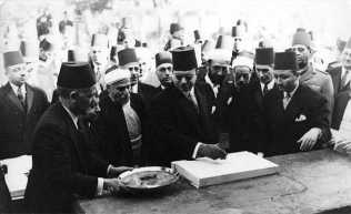 king-farouk-laying-the-foundation-for-the-rennovation-of-aljazeera-mosque-in-zamalek-dec-13th-1945.jpg